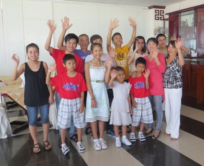 ragazzi vietnamiti gruppo carethepeople