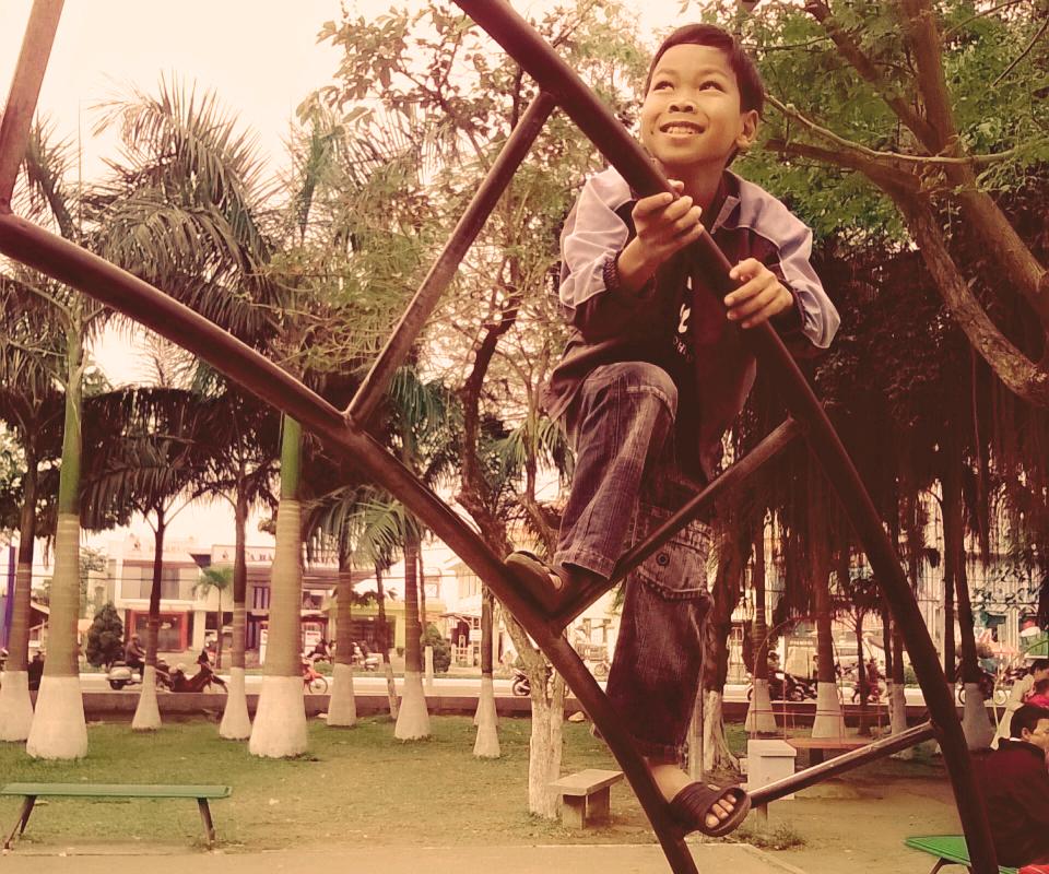 dona ora - ragazzo al parco